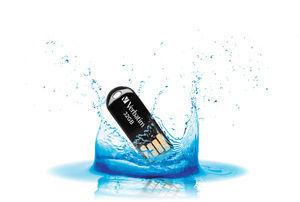 44051 Lifestyle Shot Water Splash