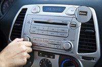 98130 NANO USB Drive Car Stereo + Hand