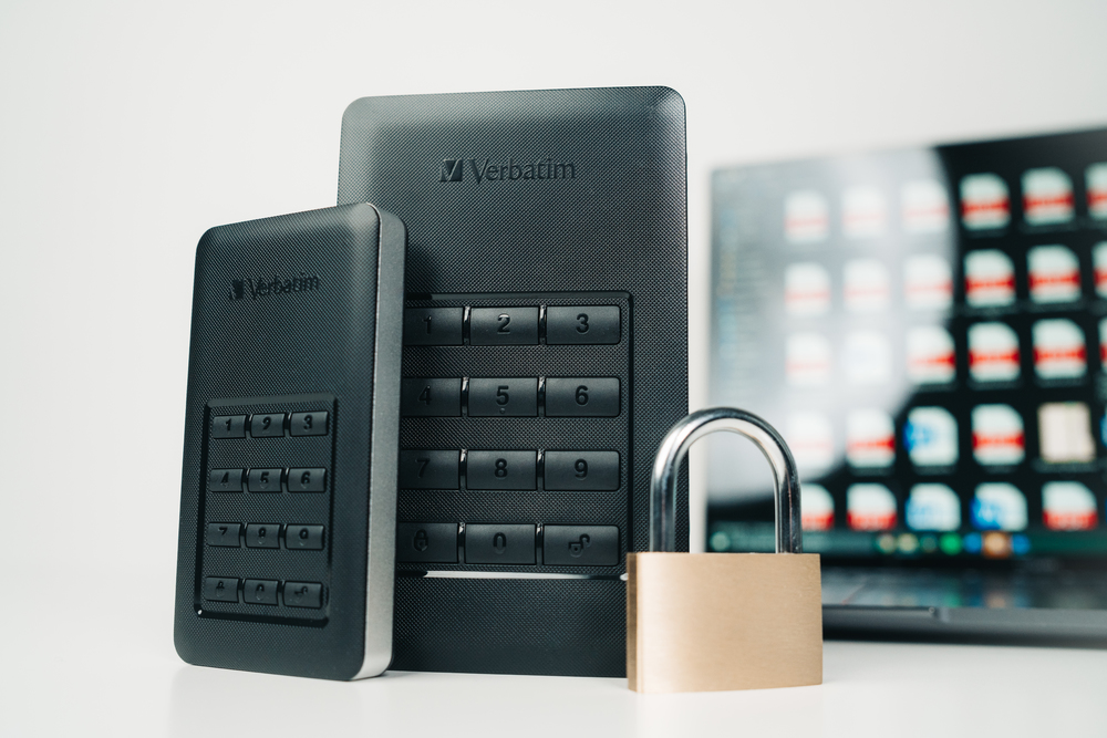 Verbatim Lifestyle pictures Secure your data 53401 53402 53403 3